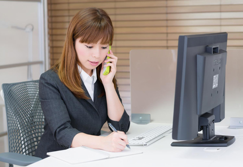 woman_office_tel